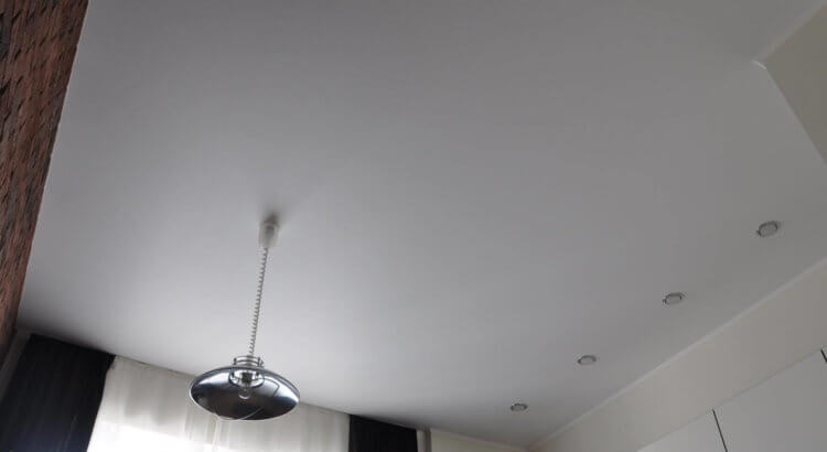 дешевые натяжные потолки