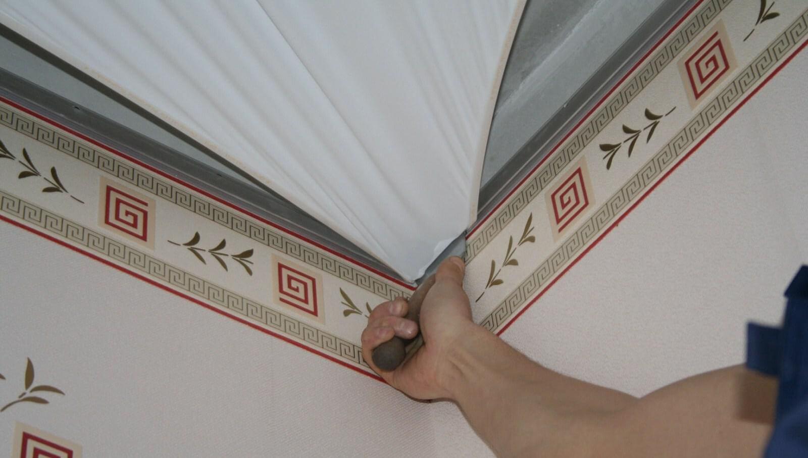 холодный вариант установки натяжного потолка